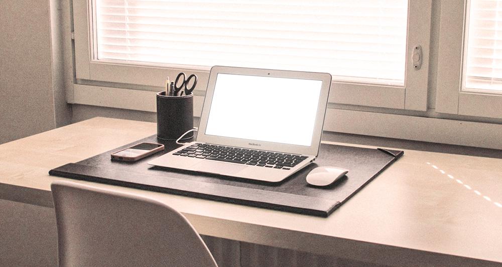 bureau minimaliste minimalisme épuré
