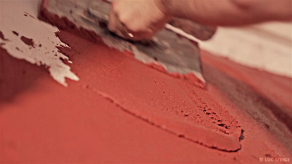 enduit finition rose rouge chaux truelle