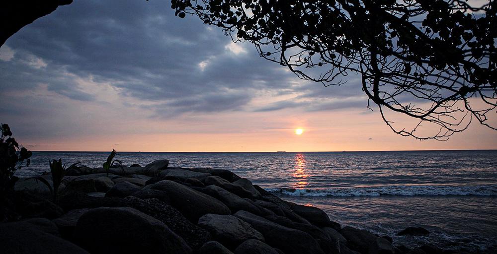 padang plage indonésie