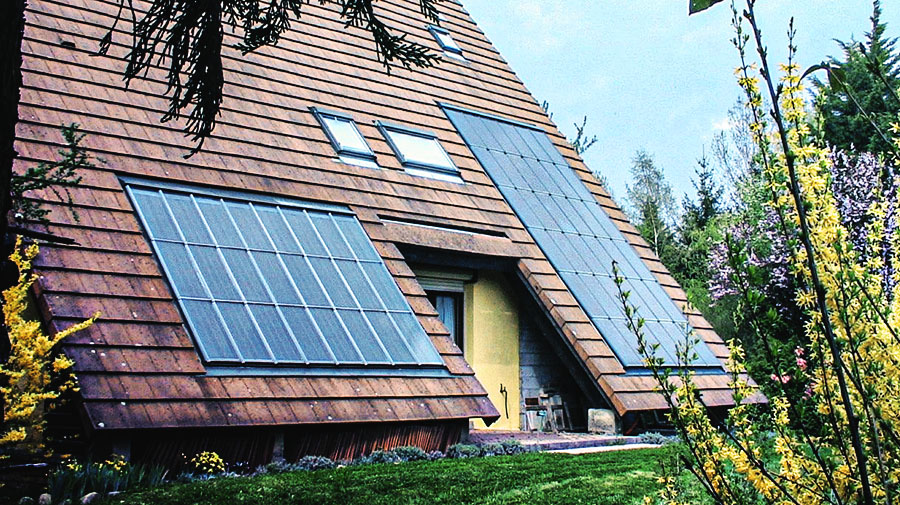 panneaux solaires thermiques toit maison