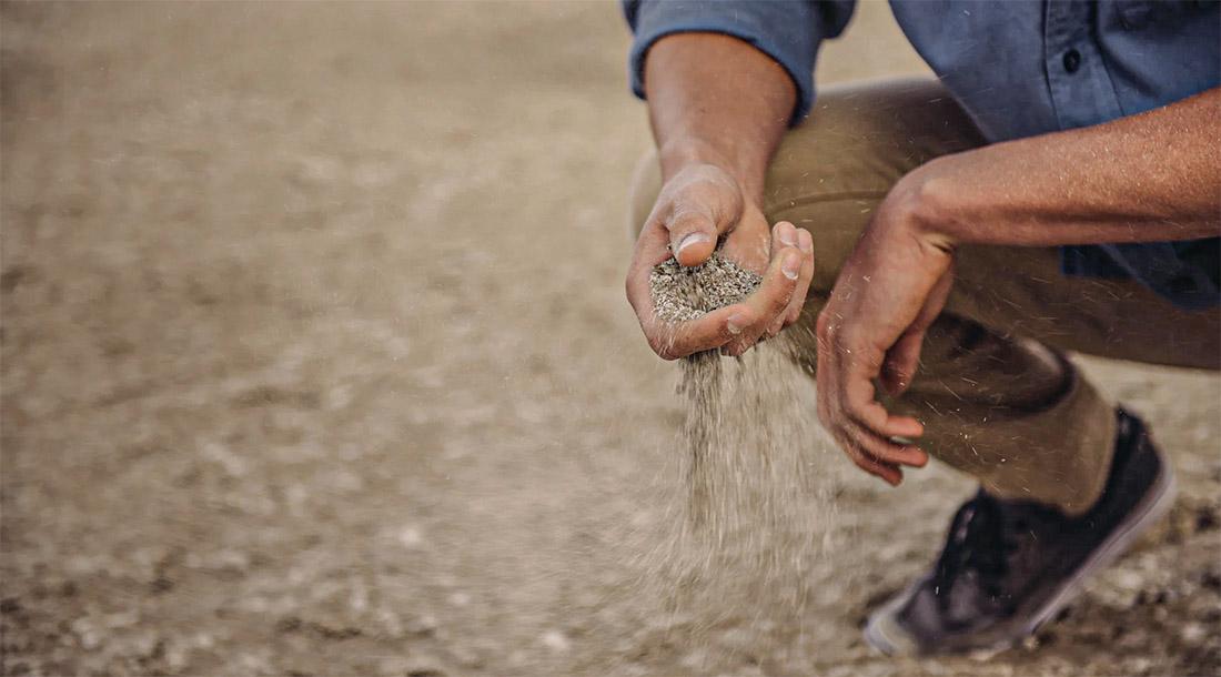 sol désertifié sableux