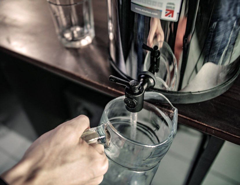 purificateur d'eau avec filtres à gravité British Berkefeld